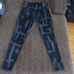 Lucy grey and black leggings M
